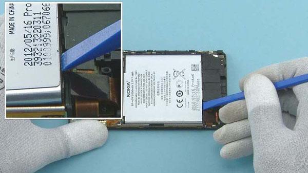 Как разобрать телефон Nokia Lumia 920 (43)