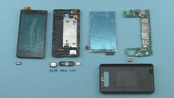Как разобрать телефон Nokia Lumia 820 (30)