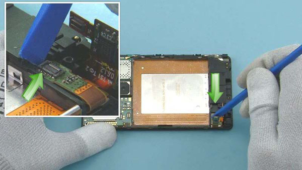 Как разобрать телефон Nokia Lumia 920 (38)