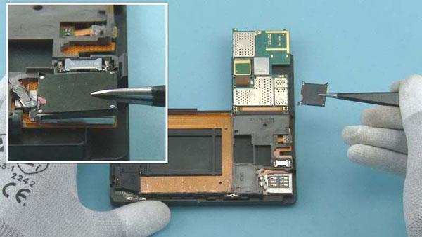 Как разобрать телефон Nokia Lumia 920 (25)