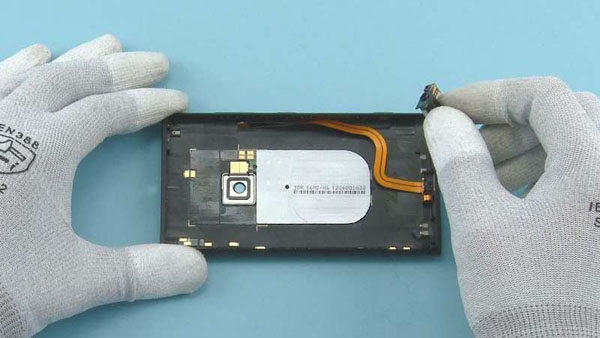 Как разобрать телефон Nokia Lumia 920 (11)