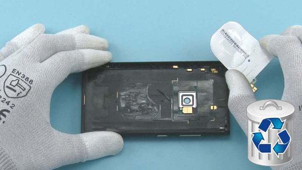 Как разобрать телефон Nokia Lumia 920 (6)