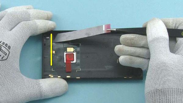 Как cобрать телефон Nokia Lumia 920 после замены деталей (4)