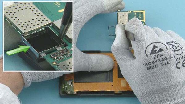 Как cобрать телефон Nokia Lumia 920 после замены деталей (25)