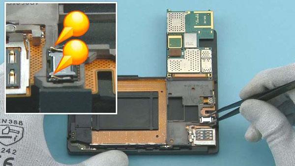 Как cобрать телефон Nokia Lumia 920 после замены деталей (40)