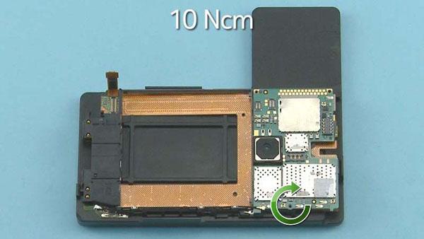 Как cобрать телефон Nokia Lumia 920 после замены деталей (45)