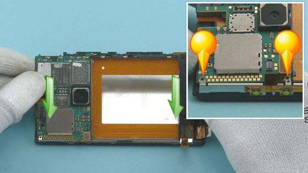 Как cобрать телефон Nokia Lumia 920 после замены деталей (48)