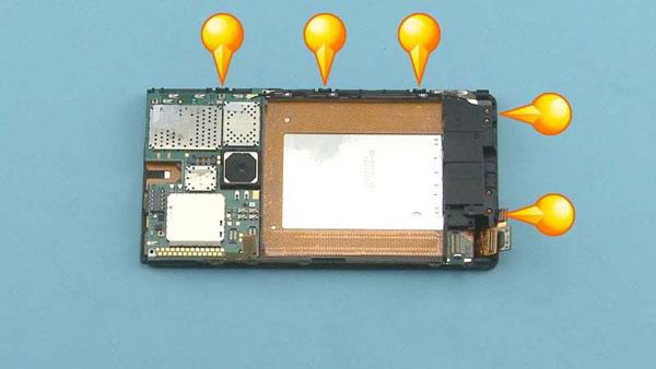Как cобрать телефон Nokia Lumia 920 после замены деталей (52)