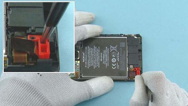 Как cобрать телефон Nokia Lumia 920 после замены деталей (59)