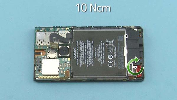 Как cобрать телефон Nokia Lumia 920 после замены деталей (61)