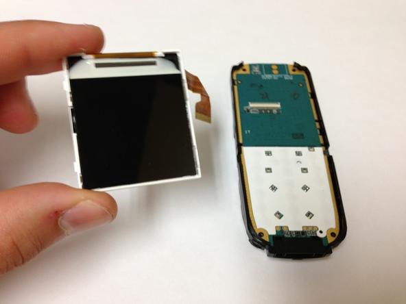 Как разобрать телефон Sony Ericsson J220i для замены разъёма зарядки (12)