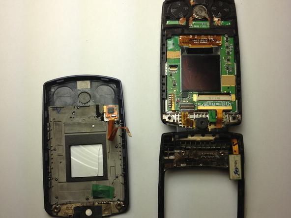 Как разобрать телефон Samsung SGH A707 (20)