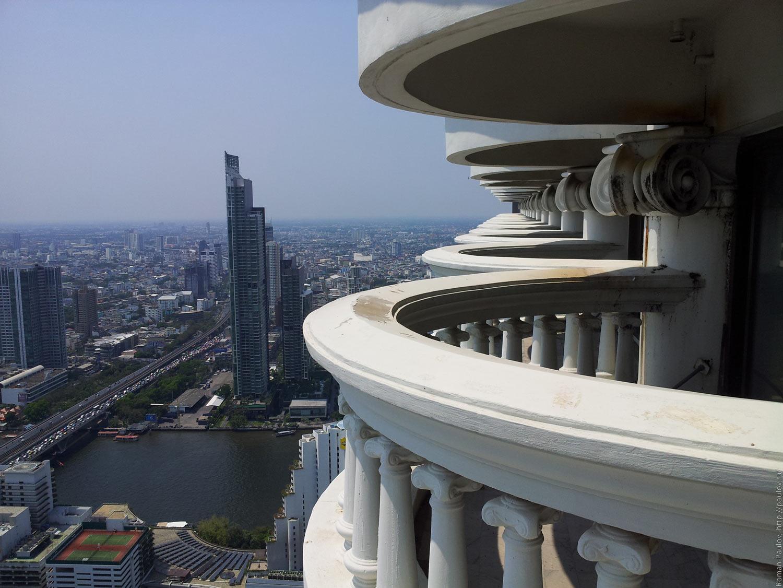 Заброшенные этажи в самой дорогой гостинице Бангкока Lebua в The State Tower (8)