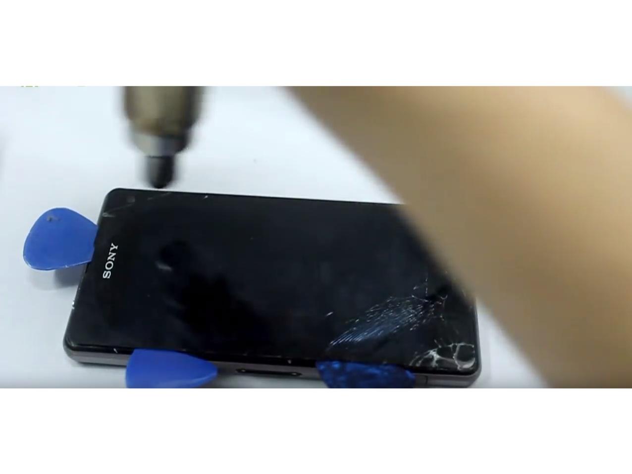 Замена экрана на Sony Xperia Z1 Compact (4)