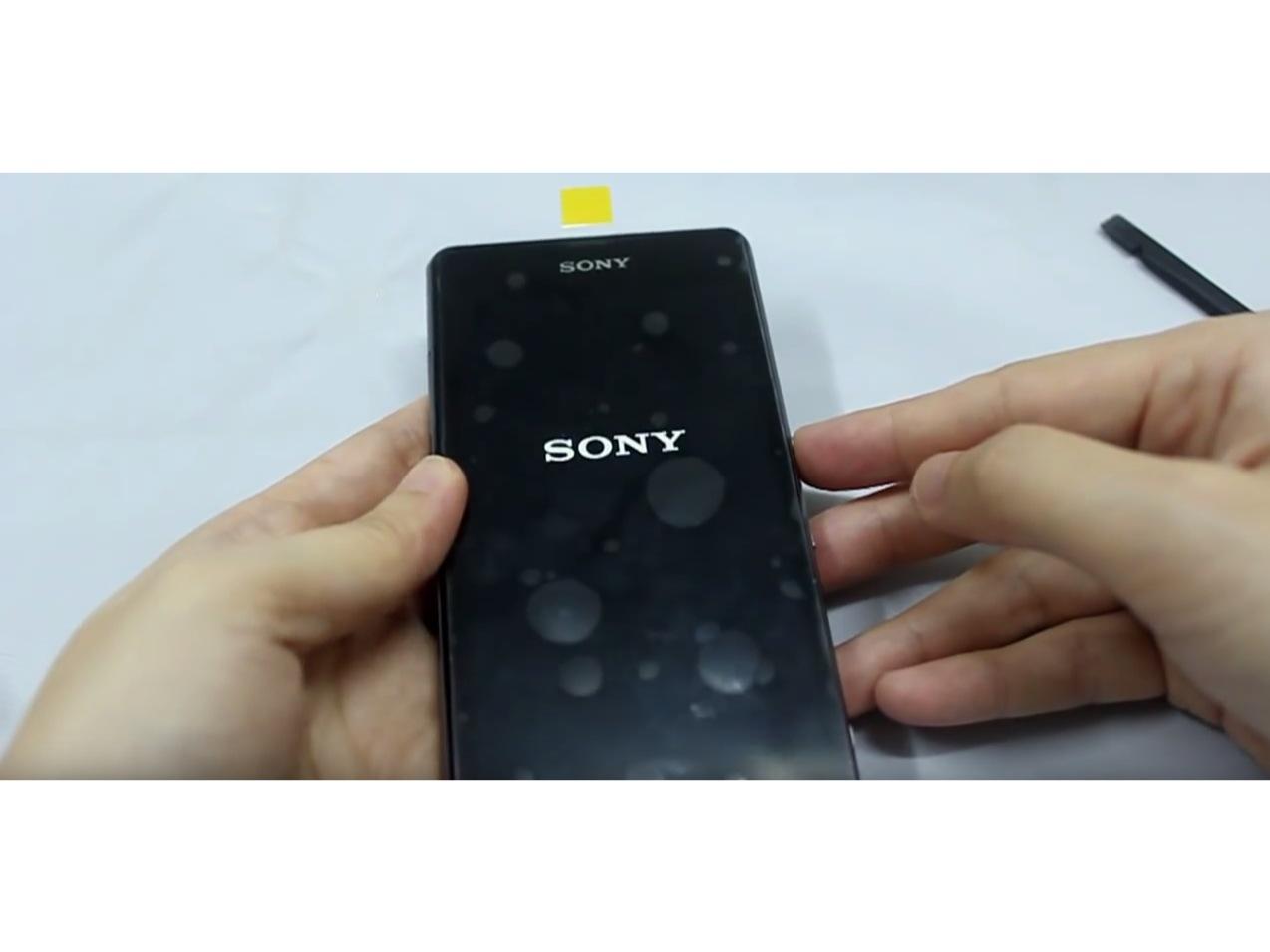 Замена экрана на Sony Xperia Z1 Compact (6)