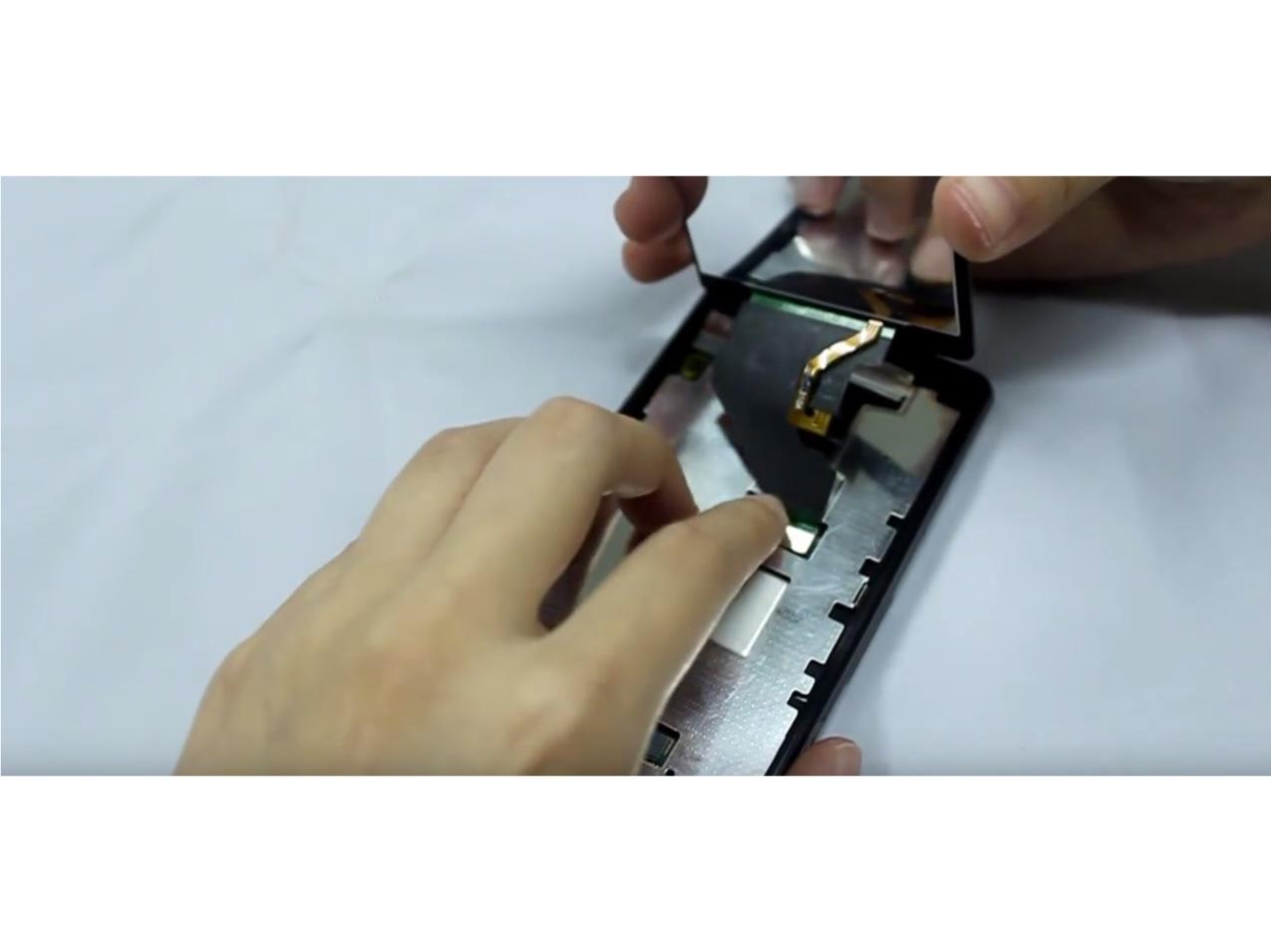 Замена экрана на Sony Xperia Z1 Compact (8)
