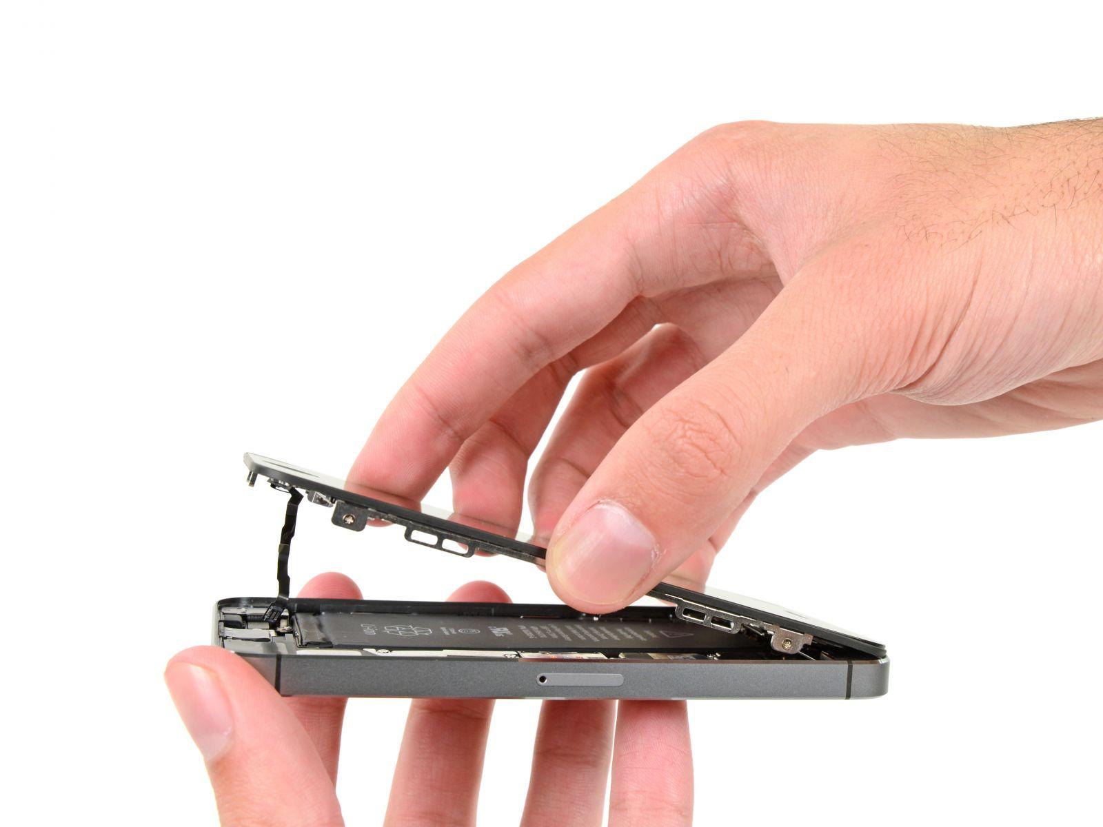 Замена кнопки «домой» на iPhone 5S (15)