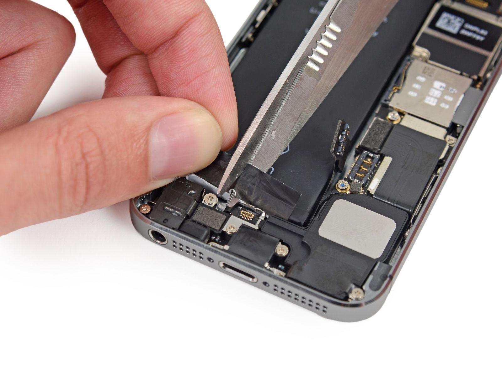 Замета аккумулятора на iPhone 5S (34)