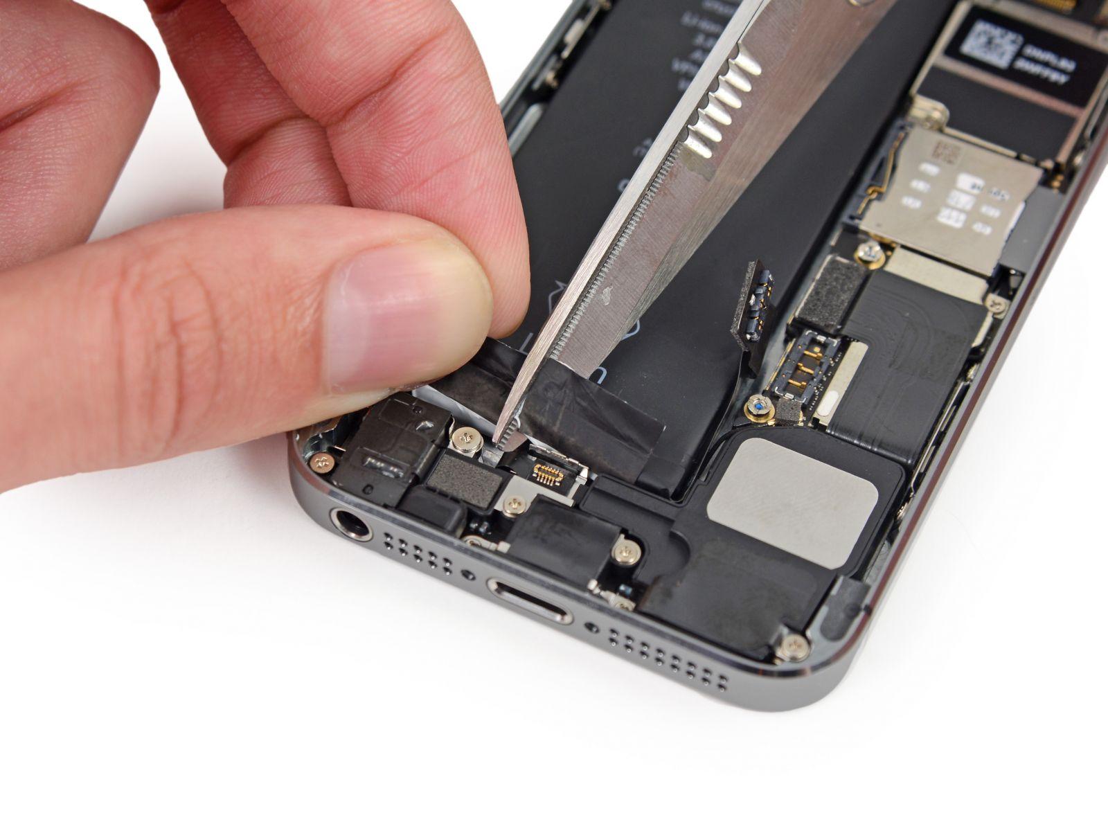 Замета аккумулятора на iPhone 5S (35)