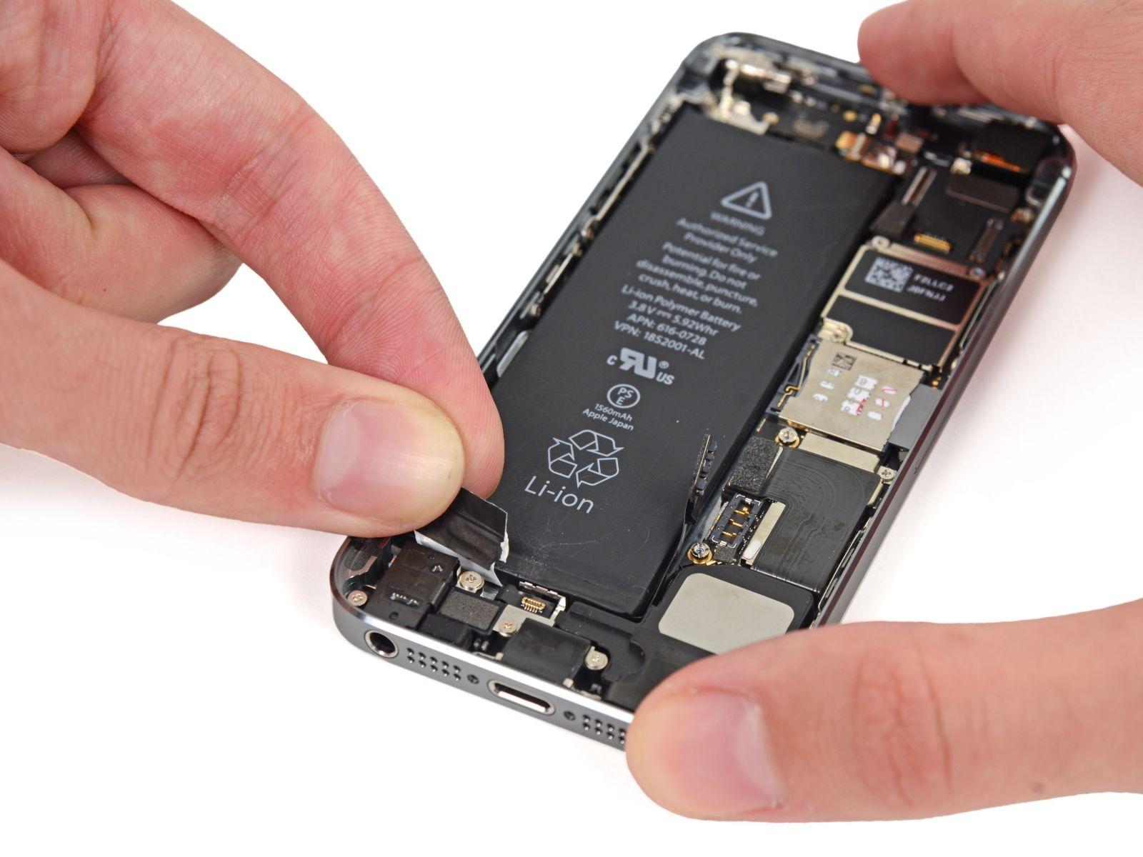 Замета аккумулятора на iPhone 5S (39)